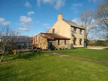 2 Bed Detached Cottage, 3 Acres, Annex a...