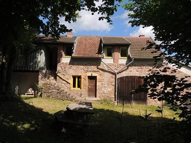 5ha Equestrian Property in Burgundy for...