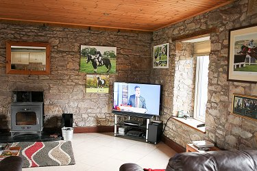Equestrian property with stables and bar...