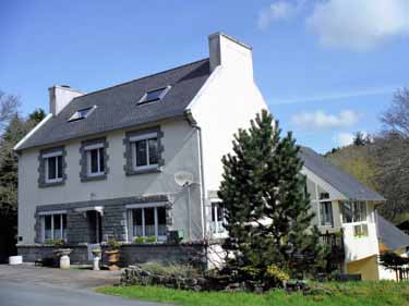 BRITTANY. Superb 3 Bed House plus  2 Hol...