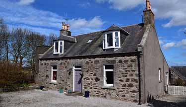 4 bed farmhouse (Aberdeenshire) in 6.5 a...
