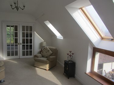 Kent Barn Conversion, 6 acres, Stables,...