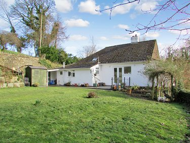 Detached rural bungalow with 5.5 acres o...