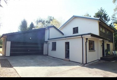 Two acre property with paddock in Pembro...