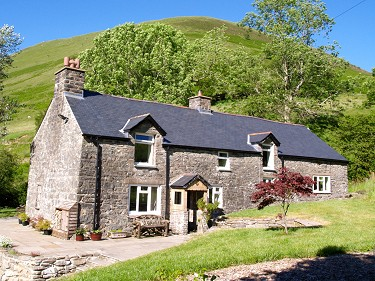 Nr Machynlleth. A 12.5 acre 4 bed smallh...