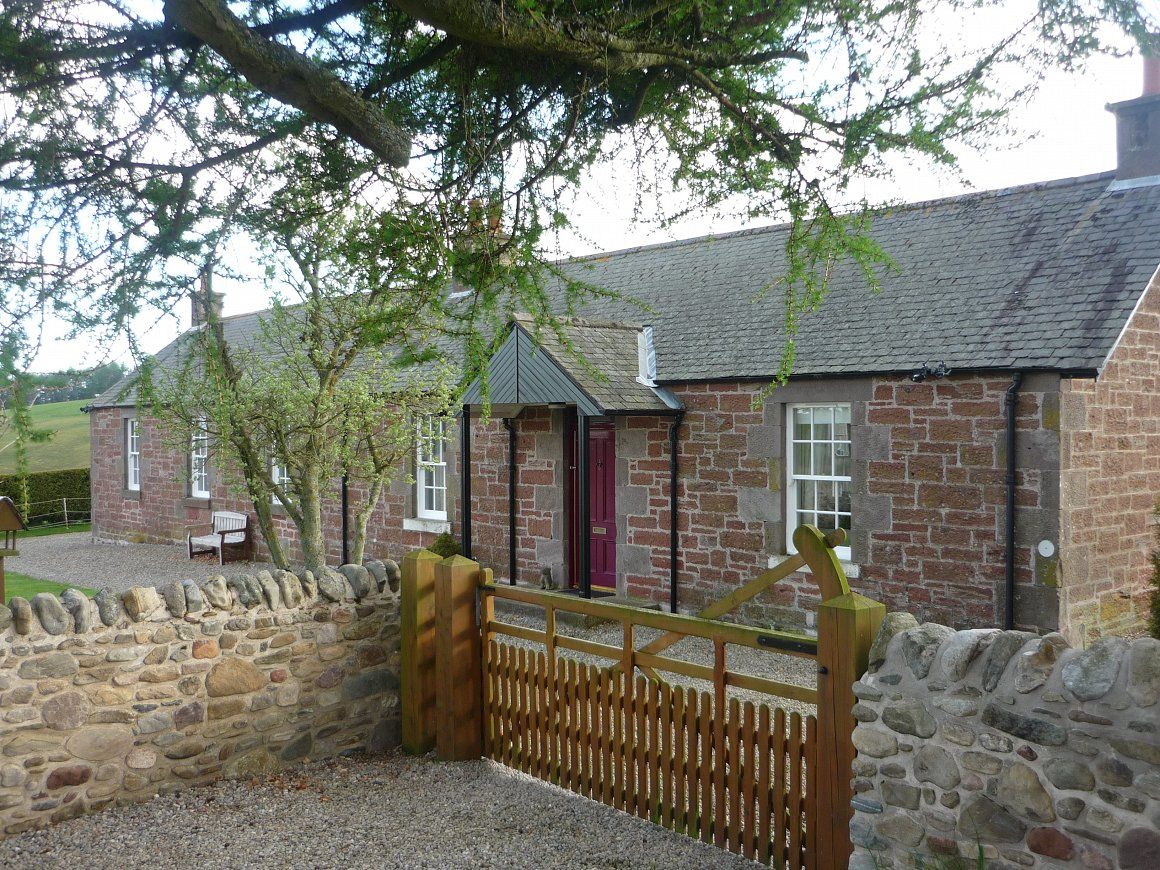Spacious Rural Detached House Set In 2 3 Acres Angus