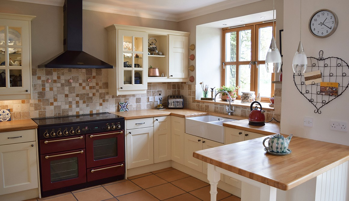4 bed farmhouse aberdeenshire in 6 5 acres with 2480 sq ft
