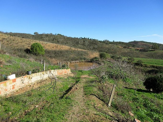 Lovely property with farmhouse in south of Portugal