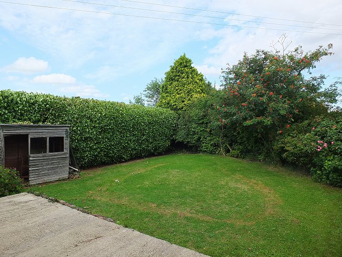 3 Bedroom Bungalow with 2 acres (subject to measured survey)