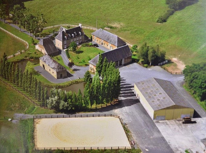 16th century manor with equestrian facilities